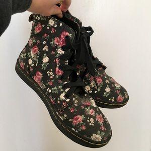 Dr. Martens Hackney floral shoes